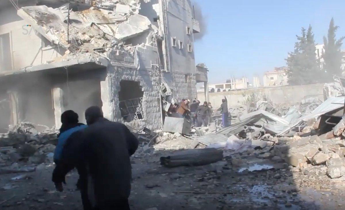 İdlib'de sivillere hava saldırısı: 12 ölü