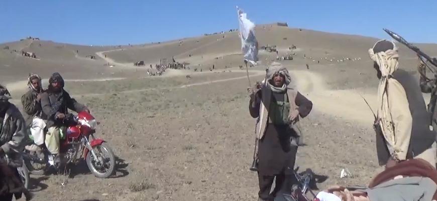 Taliban Afganistan'ın doğusunda iki ilçe merkezini ele geçirdi