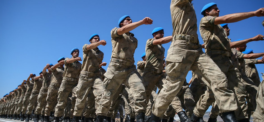 Askerliği 6 aya indiren yasa teklifi kabul edildi