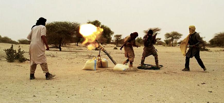 Mali'de El Kaide Fransız üssünü bombaladı