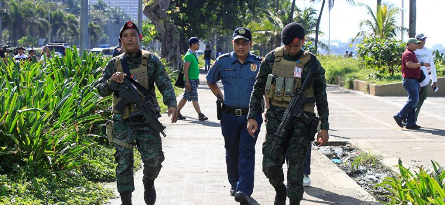 IŞİD'den Filipinler'de bombalı araç saldırısı
