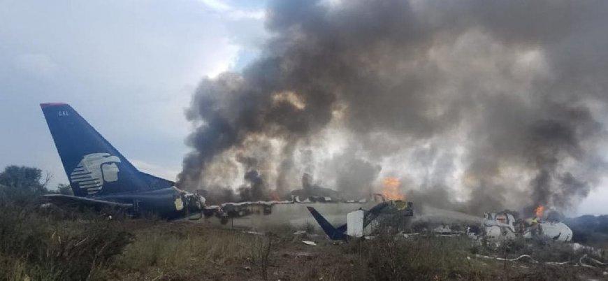 Meksika'da 103 kişi taşıyan yolcu uçağı düştü