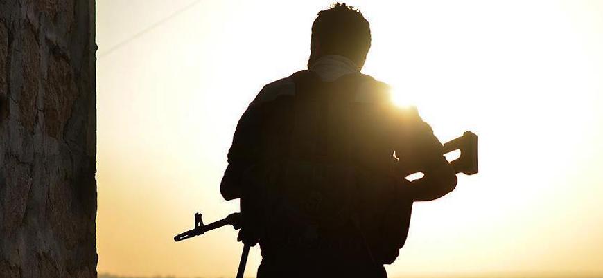 Esed rejiminden kendisine katılan muhaliflere: Silahlarınızı teslim edin