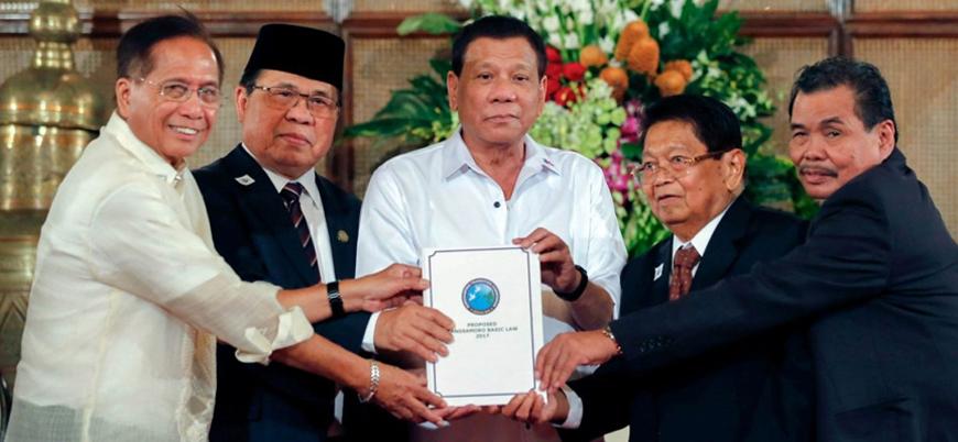 Çatışma sonlanıyor: Moro Müslümanlarına özerklik