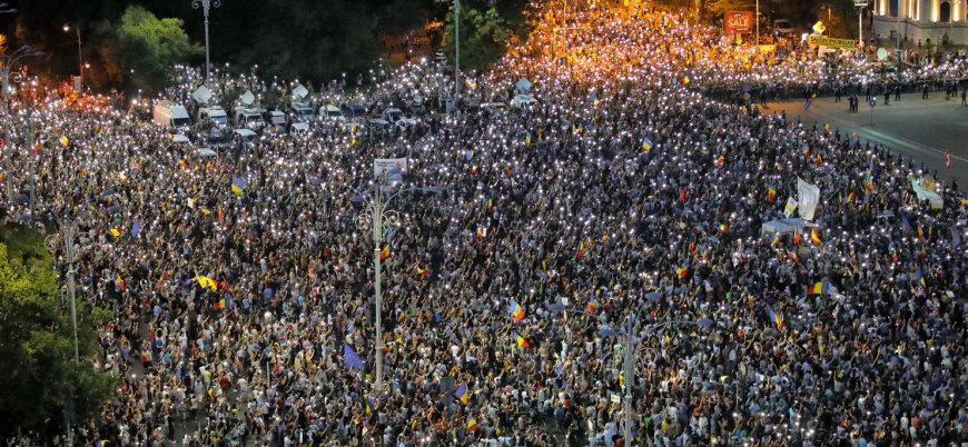 Romanya'daki gösteriler ikinci gün de devam etti