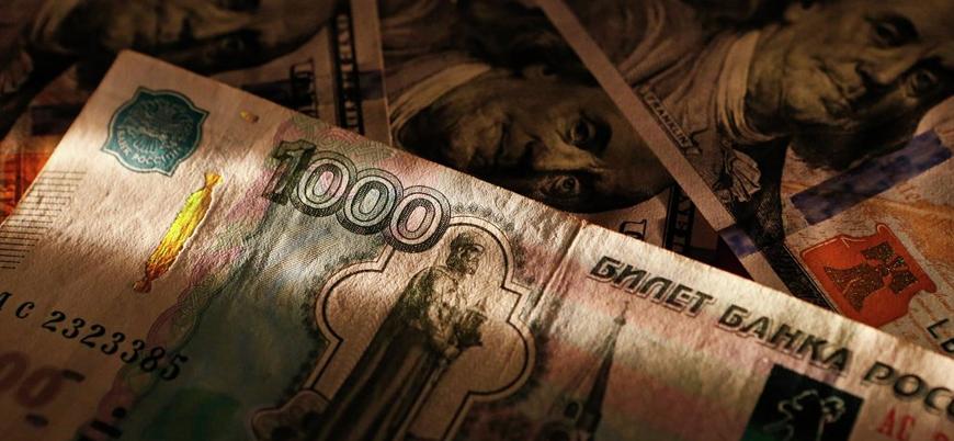 Rusya'dan 'dolar yerine euro ve yuan' önlemi