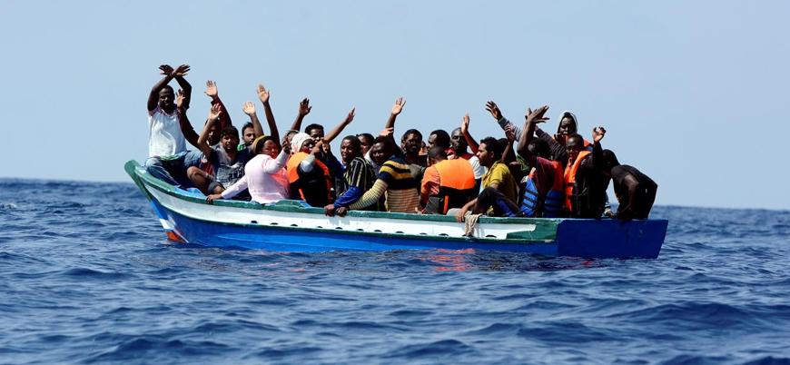 İspanya 141 göçmeni taşıyan gemiyi limanlarına almıyor