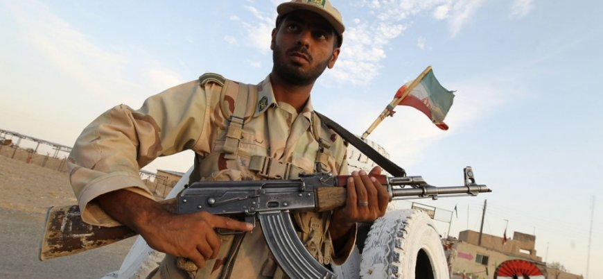 İran'da silahlı çatışma
