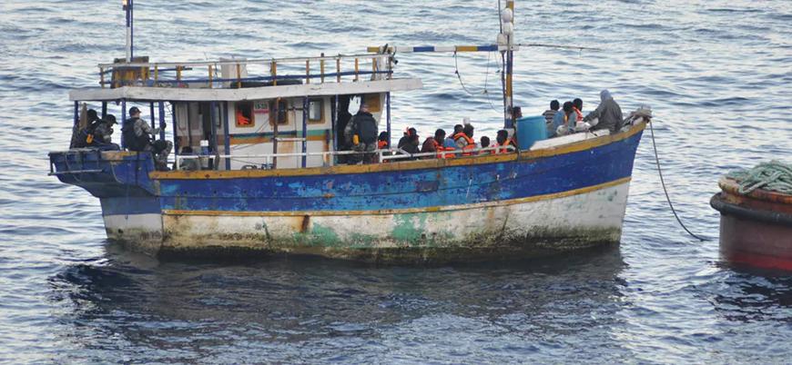 Tunus'ta göçmen teknesi battı