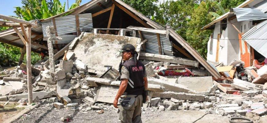 Endonezya'daki depremlerde 483 kişi öldü