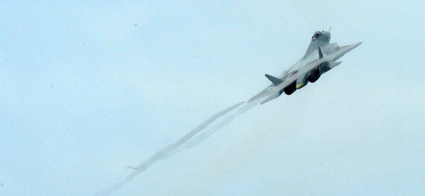 İki Rus savaş uçağı havada çarpıştı