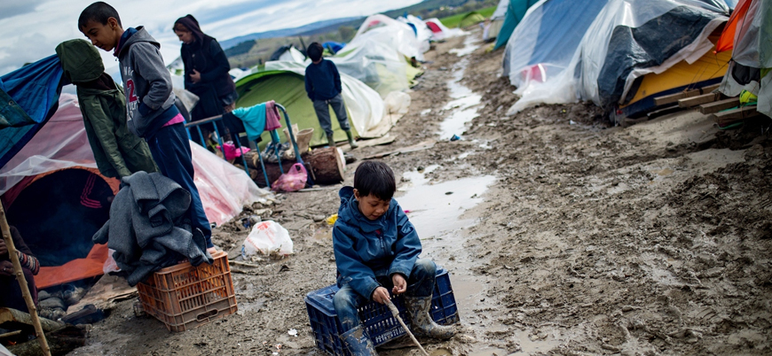 """""""Yunanistan Afgan göçmenleri denize atıyor"""""""