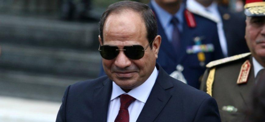 Sisi internet yasasını onayladı: Mısır'da yasaklı sitelere girenler hapse atılacak