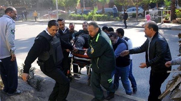 Kahire'de polise bombalı saldırı