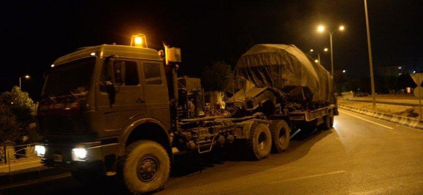 Türkiye'den İdlib'e tank ve zırhlı araç sevkiyatı