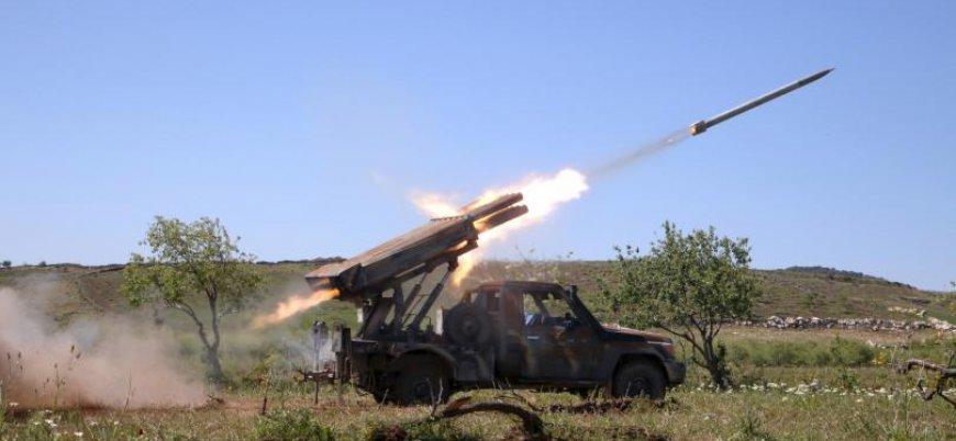 Suriyeli muhalifler rejime ait askeri noktaları füzelerle vurdu