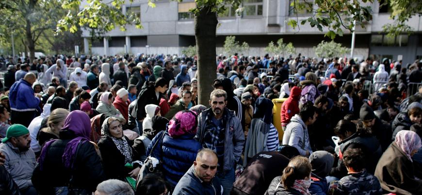 Belçika göçmenleri toplama kampına sokacak
