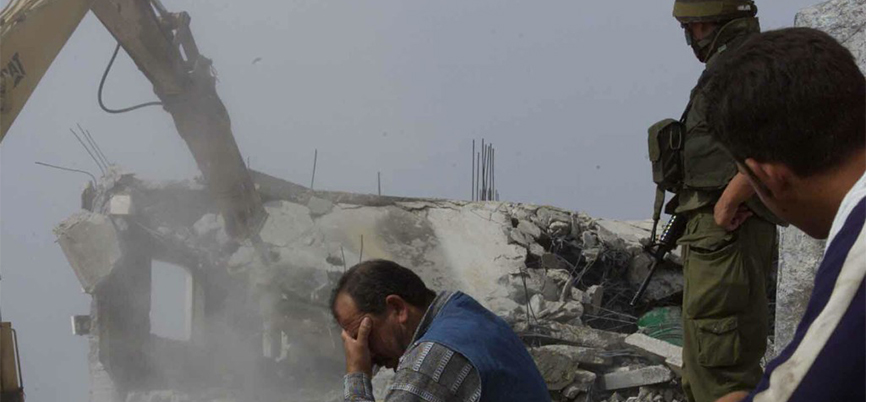 İsrail Filistinli bir ailenin daha evini yıktı