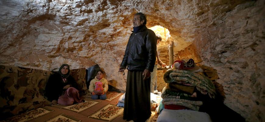 İdlib halkı rejim saldırısına karşı yeraltı sığınakları hazırlıyor