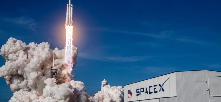 SpaceX ile Ay'a gidecek ilk turist belli oldu
