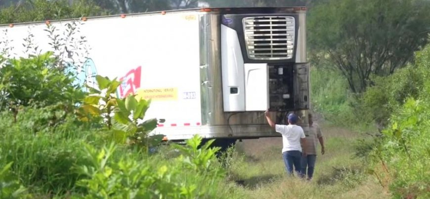 Meksika'da morglar doldu cesetler konteynerlerde tutuluyor