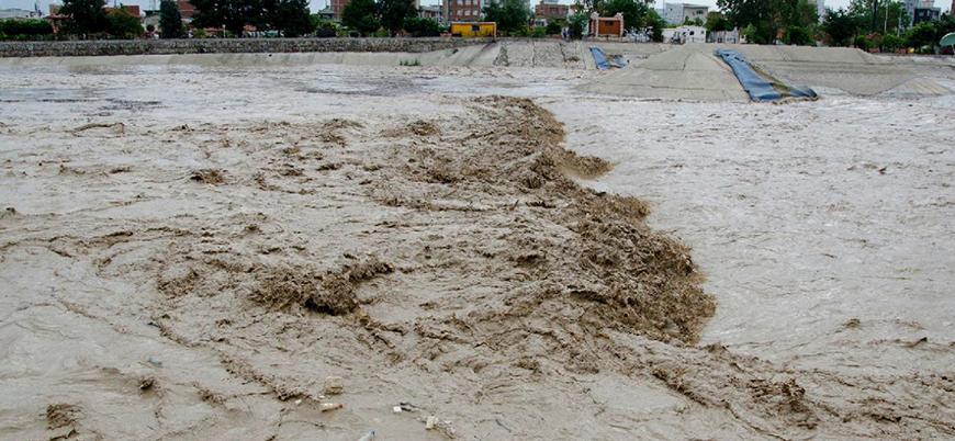İran'da aşırı yağış can aldı