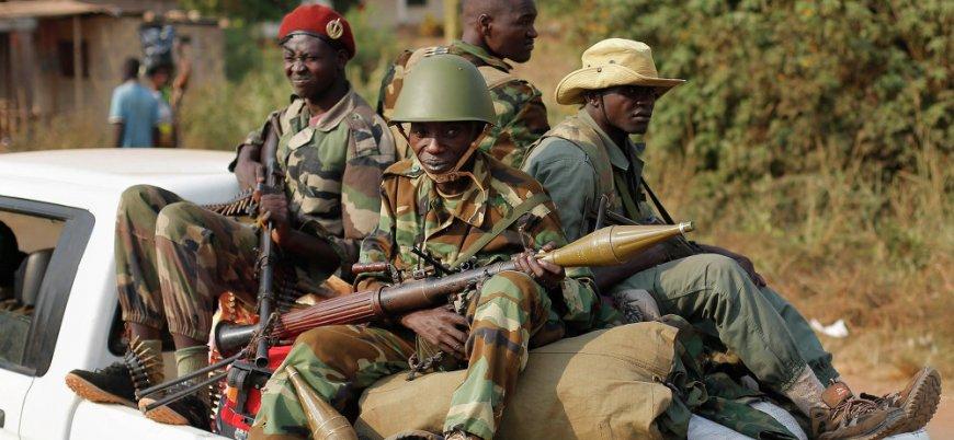 Rusya  Orta Afrika Cumhuriyeti'nde binden fazla asker eğitti
