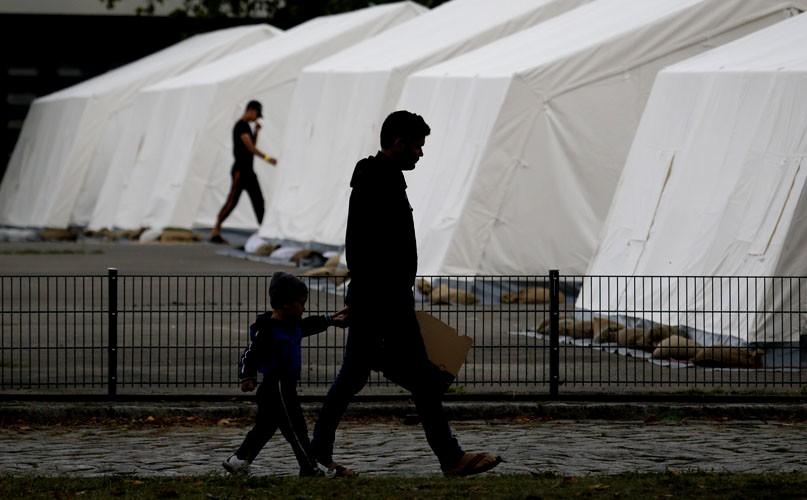 Almanya, Afgan mültecileri ülkesine göndermeye başladı