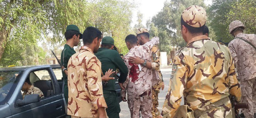 İran'da askeri geçit törenine saldırı: Çok sayıda ölü var