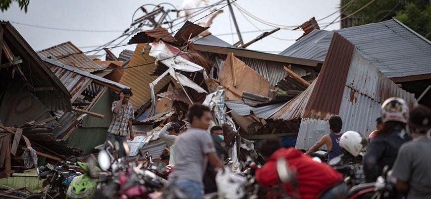 Endonezya'daki deprem ve tsunami sonrası ölü sayısı artıyor