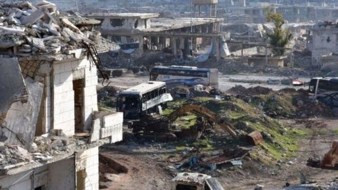 Doğu Halep'ten tahliyeler yeniden başladı