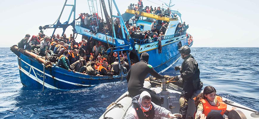 İtalyan Belediye Başkanı göçmenleri kabul ettiği için tutuklandı