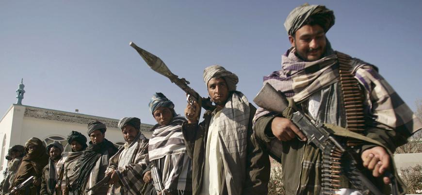 Taliban Afganistan'da stratejik ilçeyi ele geçirdi