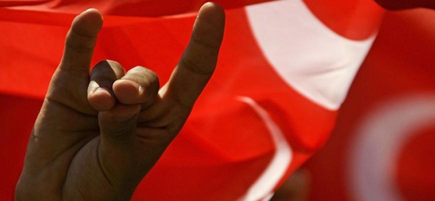 Almanya'da 'bozkurt işareti' faşizm gerekçesiyle yasaklanabilir