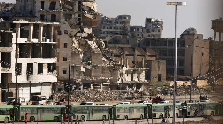 4 bin savaşçı Halep'ten tahliye edildi