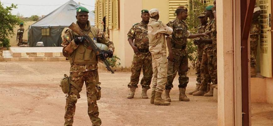 Mali'de askeri üsse düzenlenen saldırıda 16 asker öldü