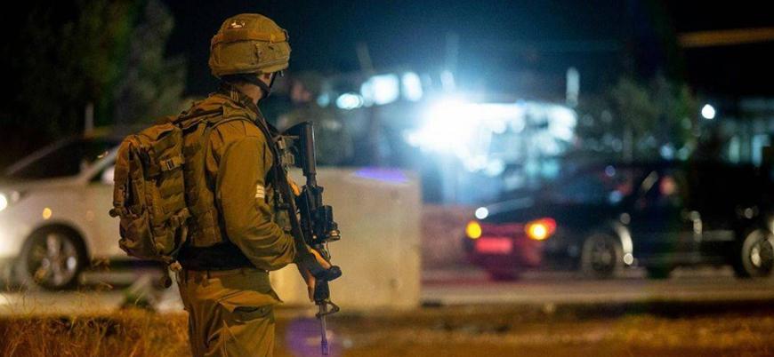 İsrailli Yahudiler Filistinli kadını taşlayarak öldürdü