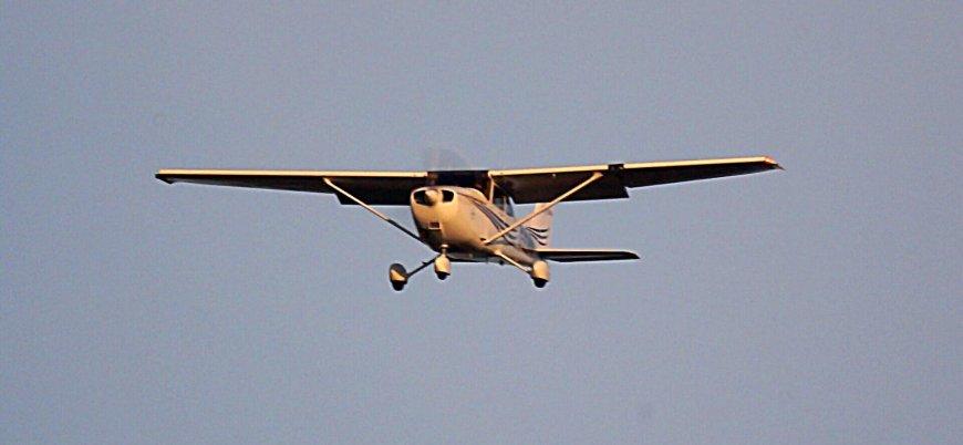 Almanya'da Cessna tipi uçak kalabalığın üzerine düştü