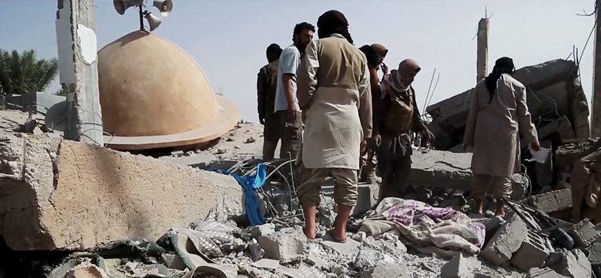 ABD'den Suriye'de dehşet veren katliam: Cuma namazında cami hedef alındı