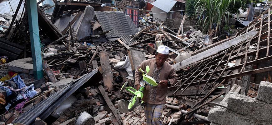 Endonezya'daki depremde ölü sayısı 2 bin 100'ü geçti