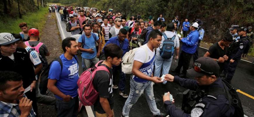 Orta Amerikalı göçmenler niçin ABD'ye yürüyor?