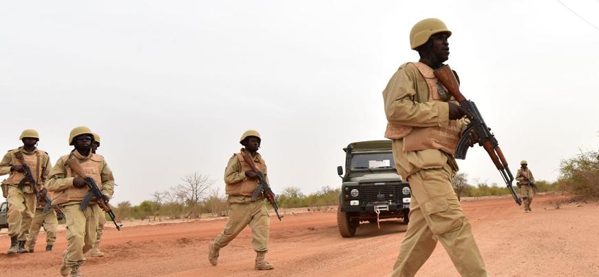 Burkina Faso'da askeri araca bombalı saldırı