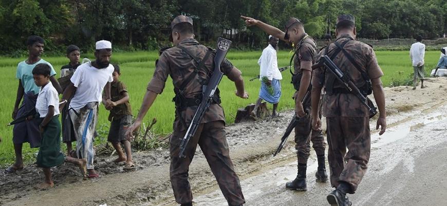 Bangladeş ordusu Rohingyalı mültecilerin kamplarına saldırıyor