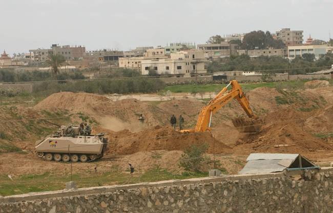 Mısır Ordusu, Gazze sınırında 12 tüneli daha yıktı