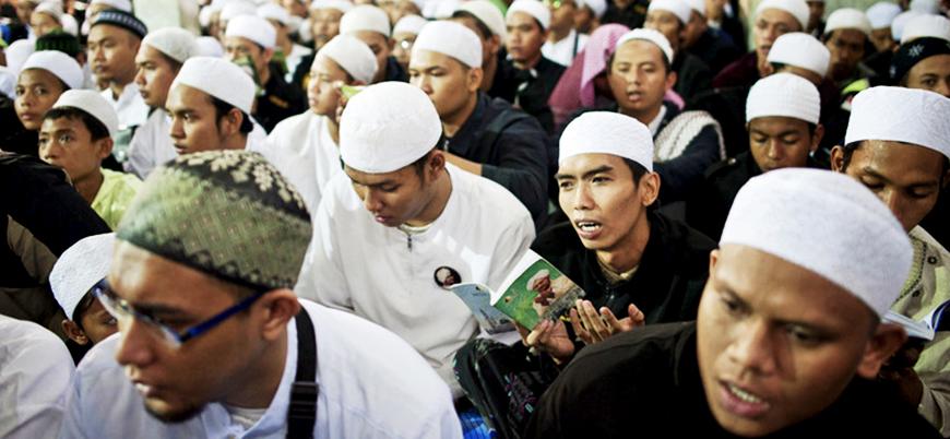 Endonezya'da 'zararlı dini grup mensupları' telefon uygulamasından ihbar edilecek