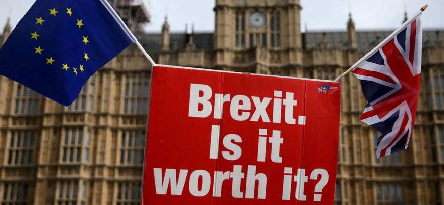 Brexit'te 'yeniden referandum' için 1 milyon imza