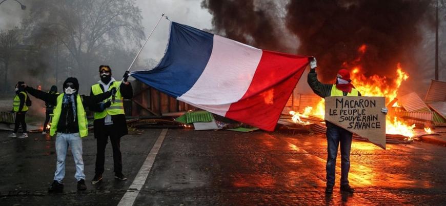 Fransa'da Sarı Yelekliler'e polis sendikasından destek