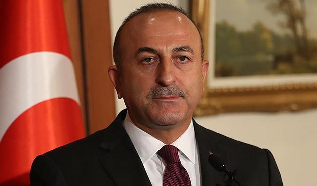 Çavuşoğlu: Müttefikimizin YPG'ye silah vermesi kabul edilemez