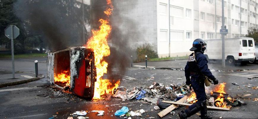 Fransa'da Sarı Yeleklilerin ardından öğrenciler de sokakta