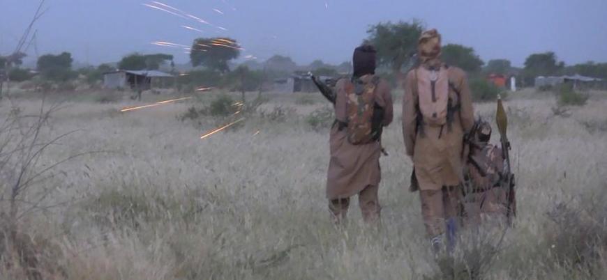IŞİD Nijerya'da askeri kışlaya saldırdı: En az 18 ölü